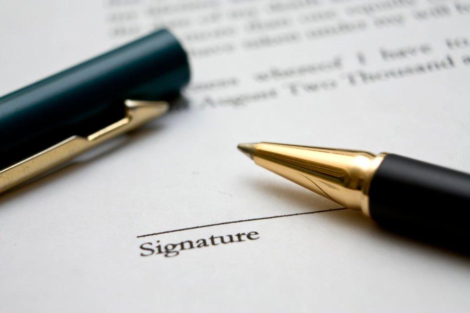 foto penna per firma contratto