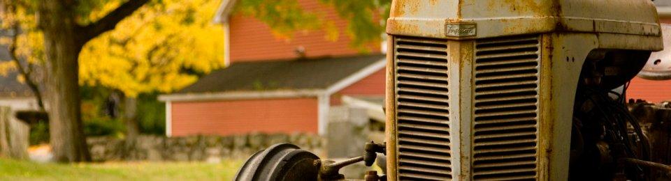 foto trattore d'epoca